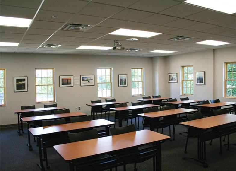 Williston-Interior_MeetingRoom
